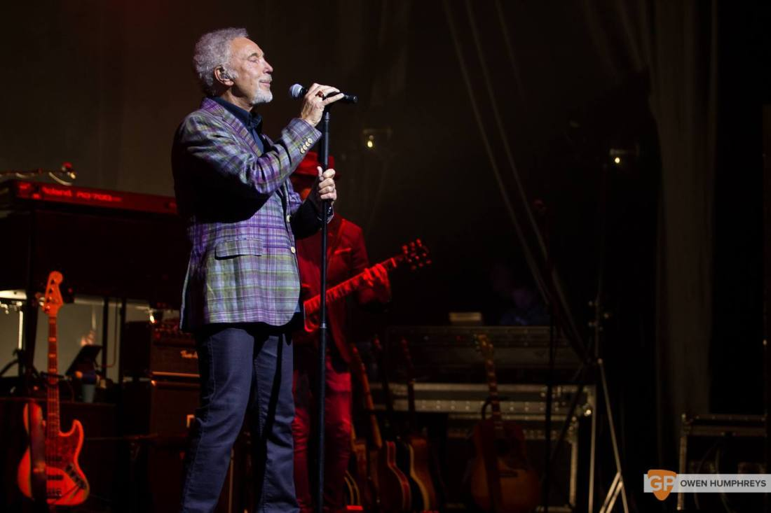 Tom Jones at The Olympia Theatre by Owen Humphreys (7 of 14)