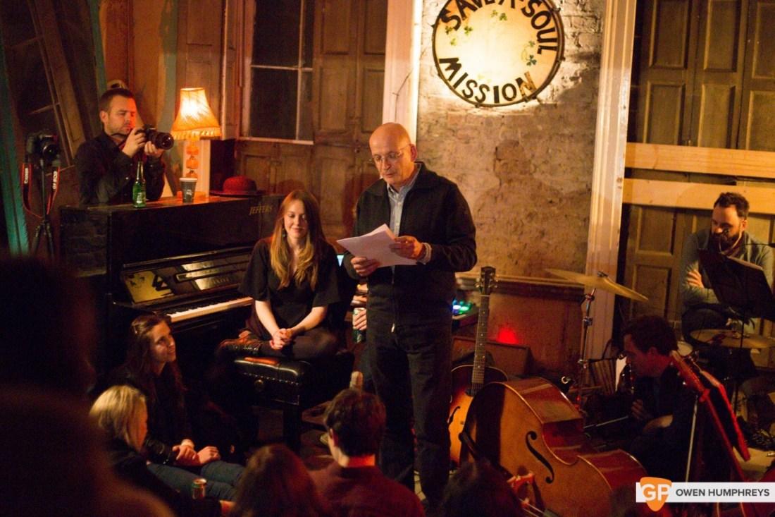 Glen Hansard plays an abondoned Georgian House (17 of 18)
