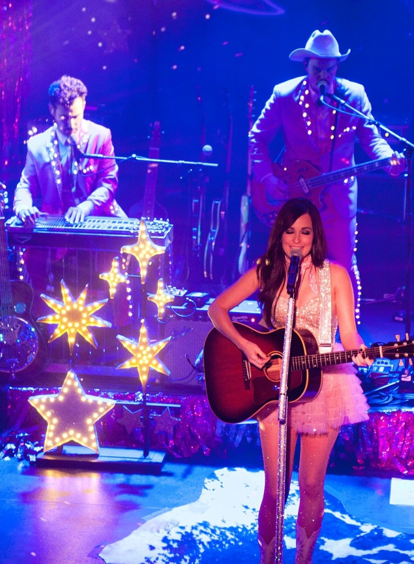 Kacey Musgraves at The Academy Dublin by Abraham Tarrush (10)
