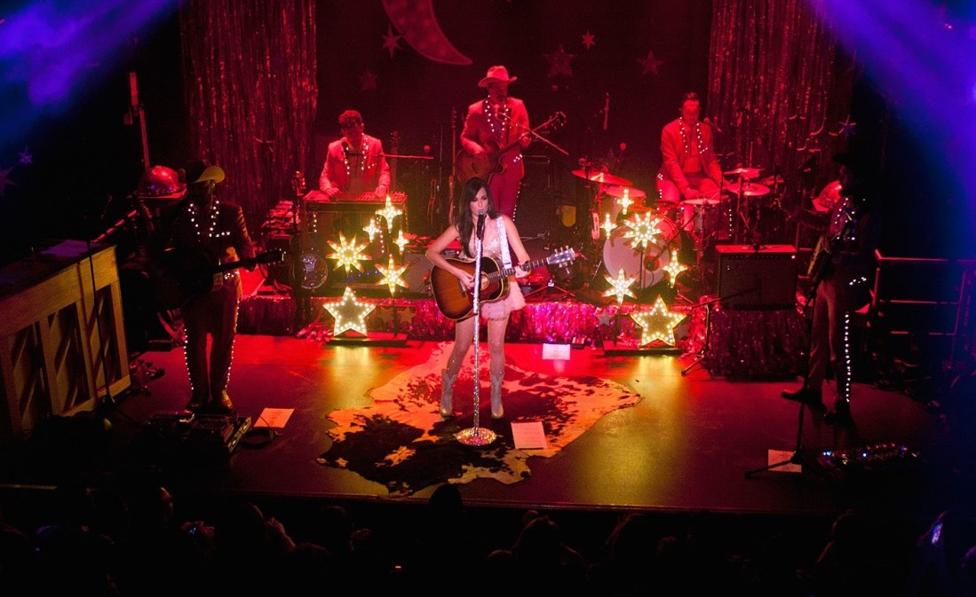 Kacey Musgraves at The Academy Dublin by Abraham Tarrush (6)