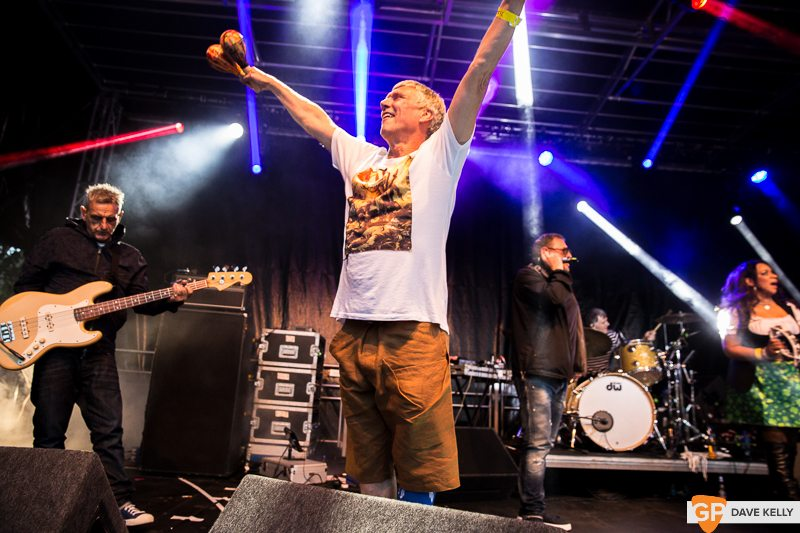 The Happy Mondays at Leopardstown Racecourse on 17 August 2017 (12 of 30)