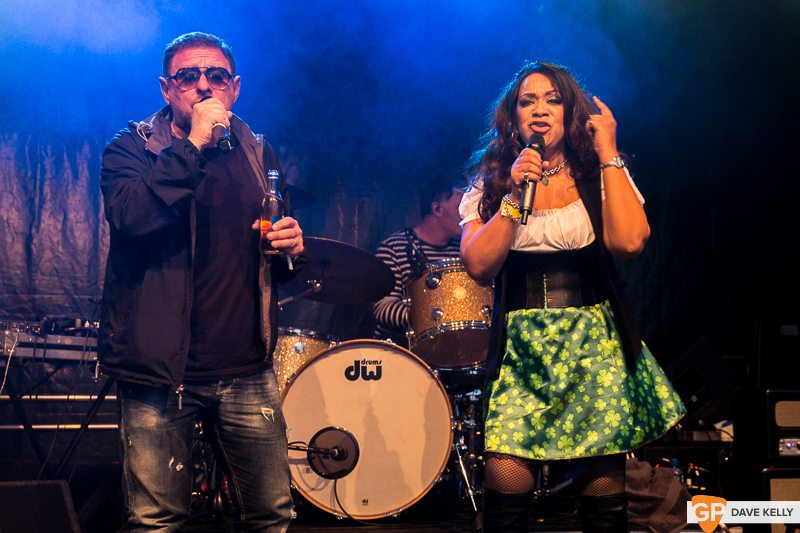 The Happy Mondays at Leopardstown Racecourse on 17 August 2017 (21 of 30)