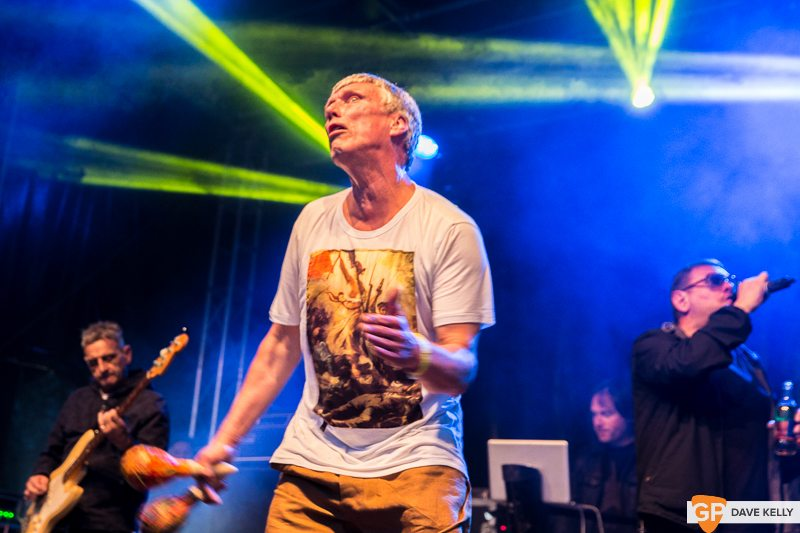 The Happy Mondays at Leopardstown Racecourse on 17 August 2017 (22 of 30)