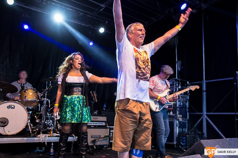 The Happy Mondays at Leopardstown Racecourse on 17 August 2017 (7 of 30)