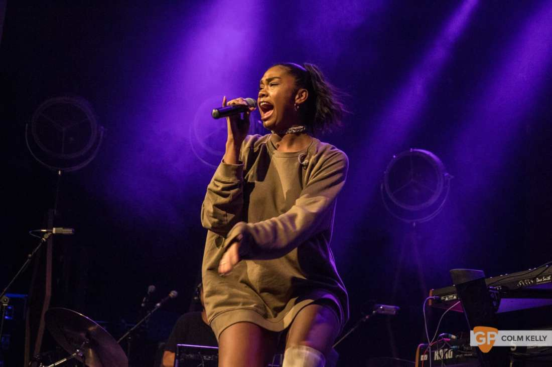 Amber Mark at The Olympia Theatre, Dublin by Colm Kelly-539