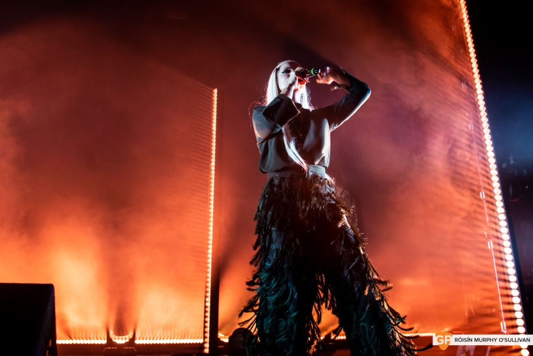 Lily Allen in The Olympia by Róisín Murphy O'Sullivan (3 of 10)