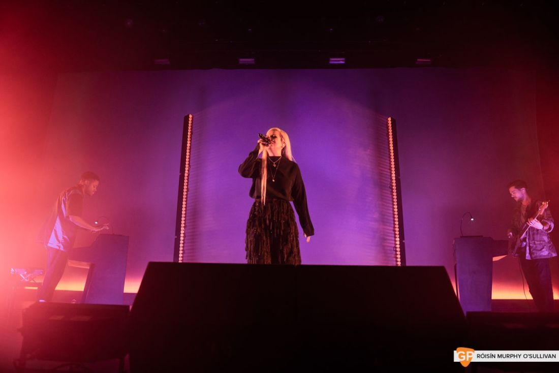 Lily Allen in The Olympia by Róisín Murphy O'Sullivan (8 of 10)