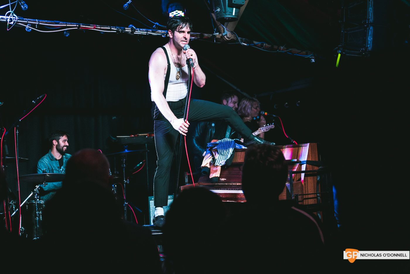 Low Cut Connie performing in The Grand Social. Photography by Nicholas O'Donnell. (25 of 27)