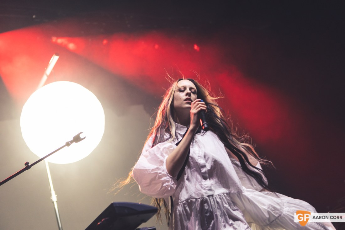 Allie X at Olympia Theatre on 30-Oct-2019 by Aaron Corr-9528