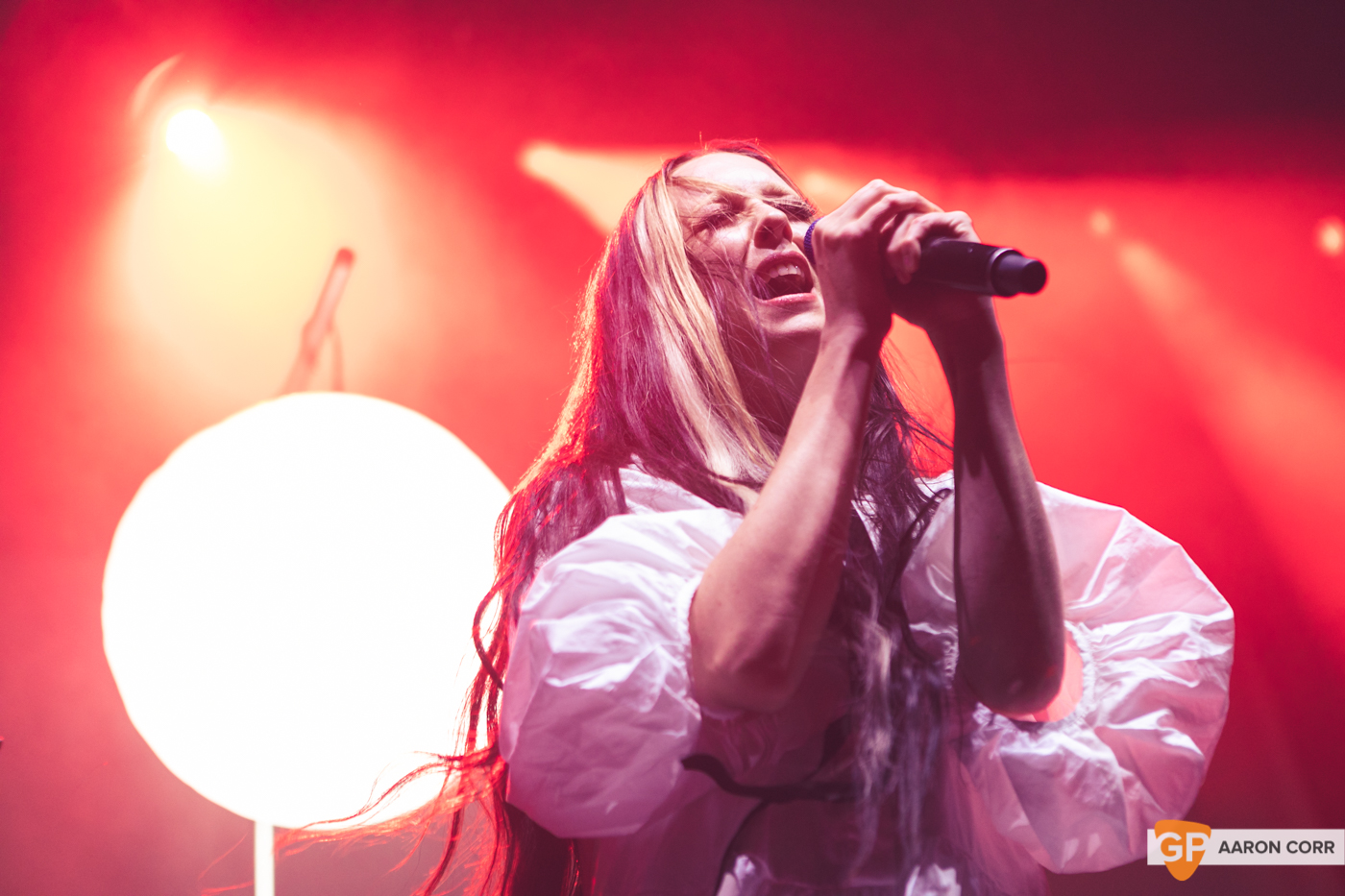 Allie X at Olympia Theatre on 30-Oct-2019 by Aaron Corr-9538