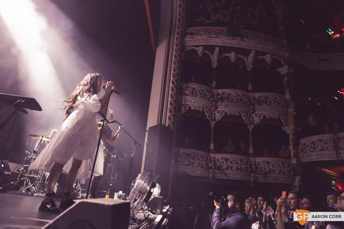 Allie X at Olympia Theatre on 30-Oct-2019 by Aaron Corr-9576