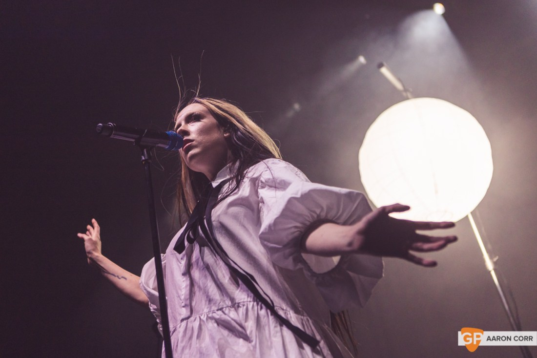 Allie X at Olympia Theatre on 30-Oct-2019 by Aaron Corr-9616
