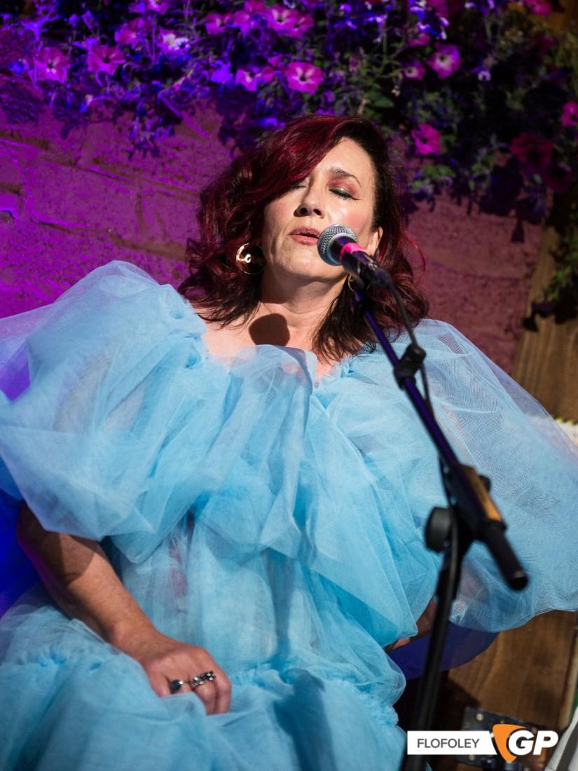 Maria Doyle Kennedy at De Barras Folk Club Clonakilty, Photographer, Flo Foley, 15-08-2021-13