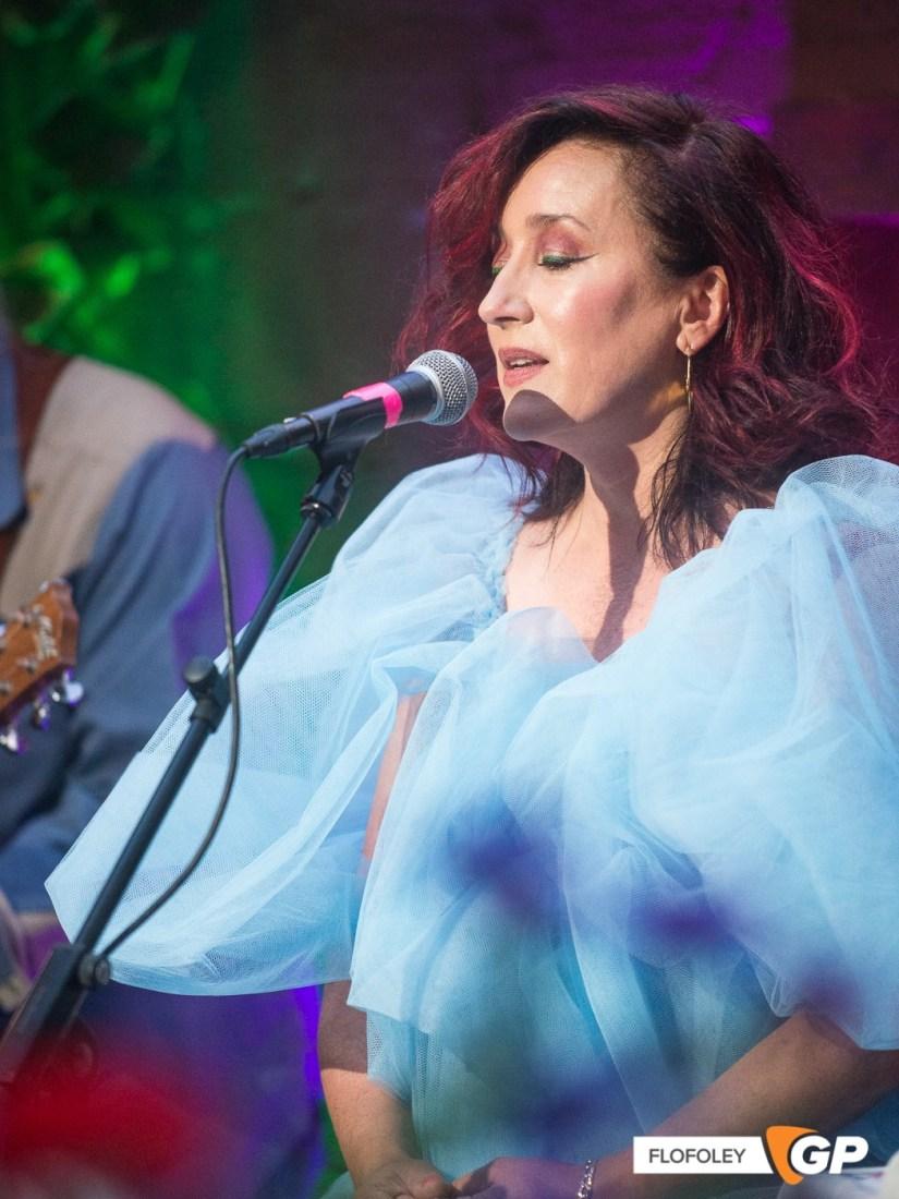 Maria Doyle Kennedy at De Barras Folk Club Clonakilty, Photographer, Flo Foley, 15-08-2021-6