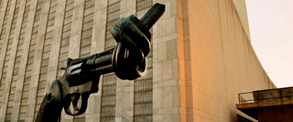 Non-Violence (or Knotted Gun) Sculpture at UN Visitors Plaza