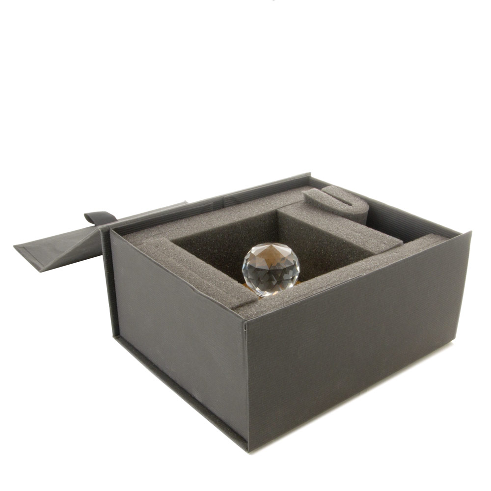 The presentation box for The Richard protects it from damage and offers convenient storage.