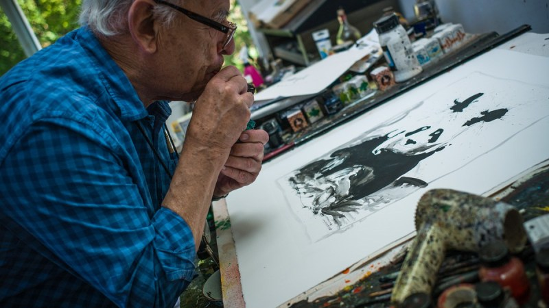 Ralph Steadman in the studio