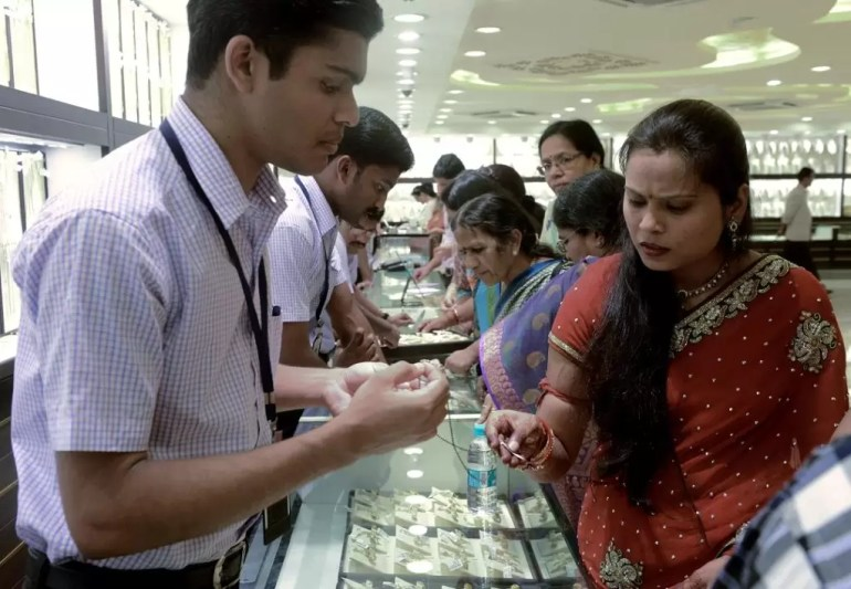 Gold prices jump Rs 65 on global cues - Neal Bhai Reports