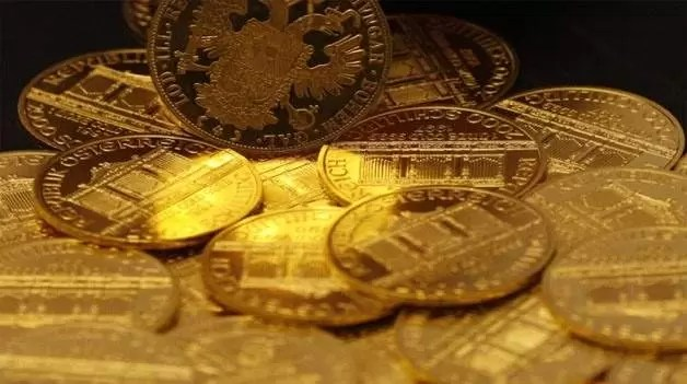 Gold Down as Equities Up Ahead of Fed Policy Meeting