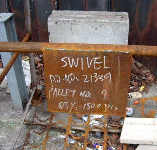 Pallet signs: Swivel