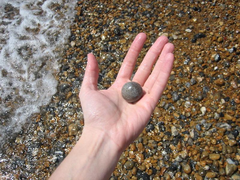 wet-pebble_167095887_o