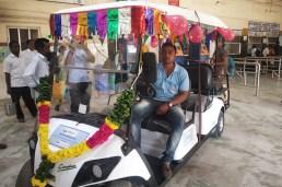4+2-Seater-Golf-cart-at-Tambaram-Railway-Station
