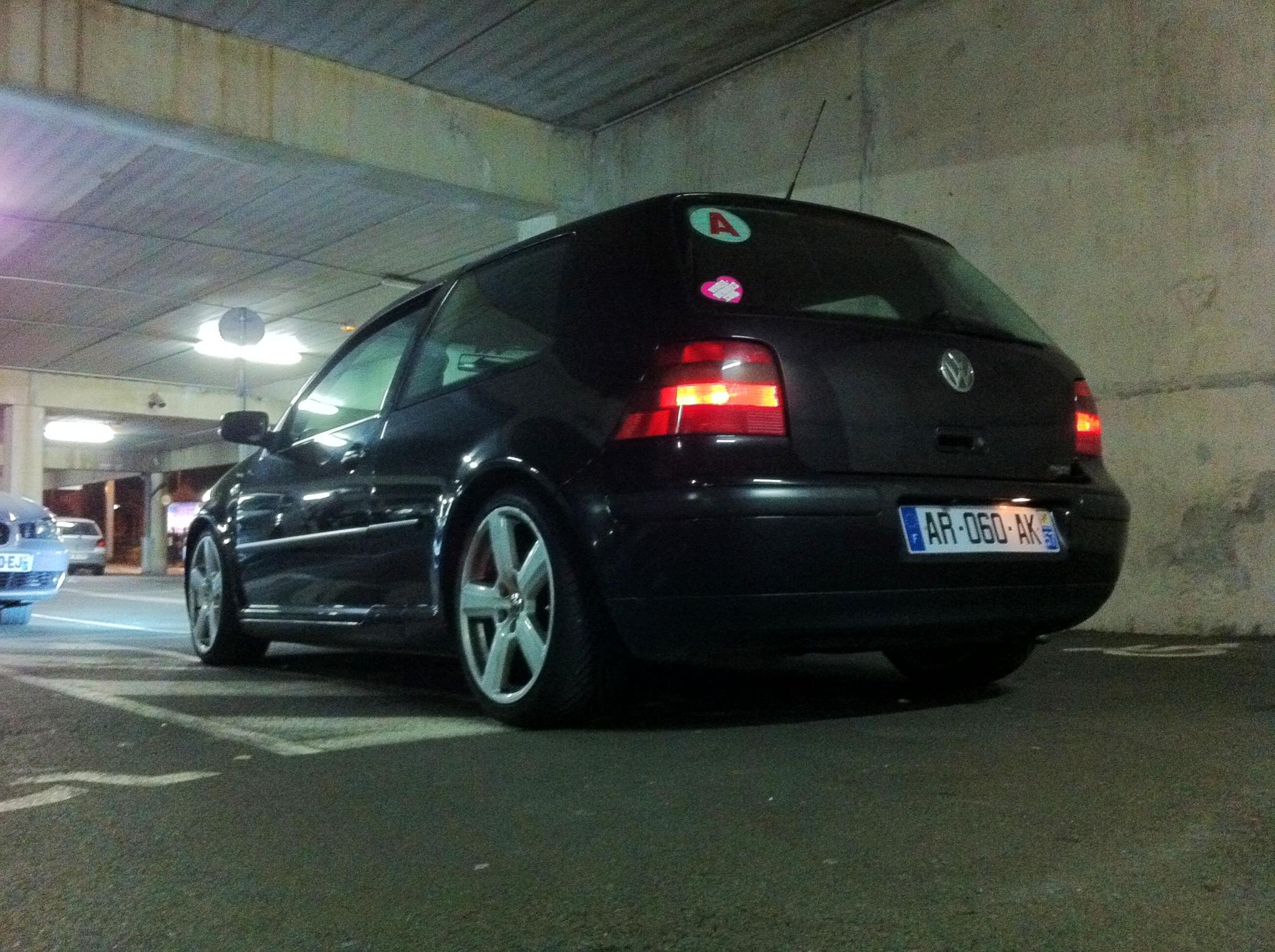 VW Golf IV TDI 90 Basis 1999 Jantes Peintes Bombing