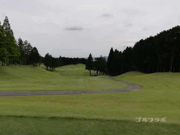 レンブラントゴルフ倶楽部御殿場の富士コース1番ホールのティーグラウンド