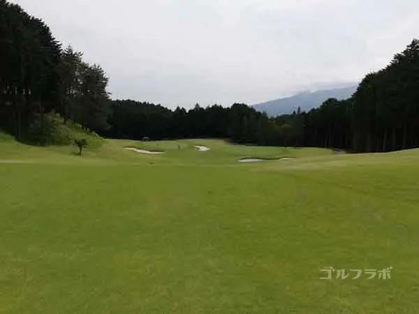 レンブラントゴルフ倶楽部御殿場の富士コース2番ホールの2打目