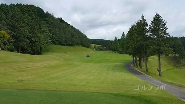 レンブラントゴルフ倶楽部御殿場の駿河コース1番ホールのレディースティ