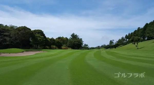 凾南ゴルフ倶楽部の15番ホールの2打目