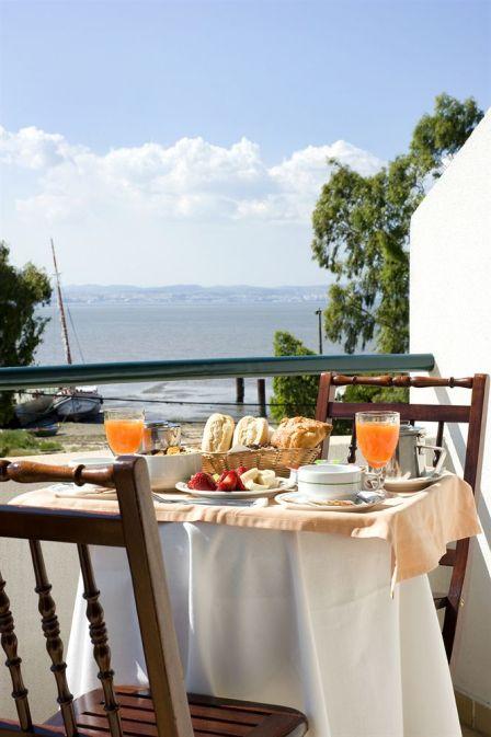 balkon ontbijt