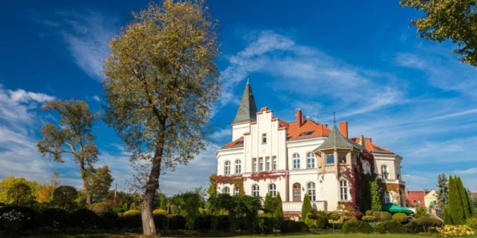 Palace Brzeno 1