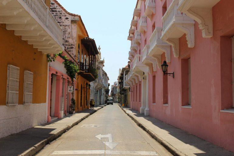 Pink street Cartagena things to do