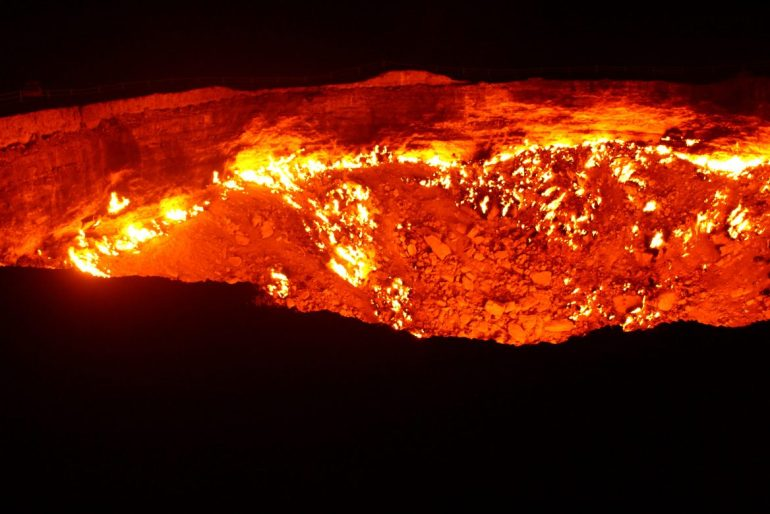 Avond krater Turkmenistan