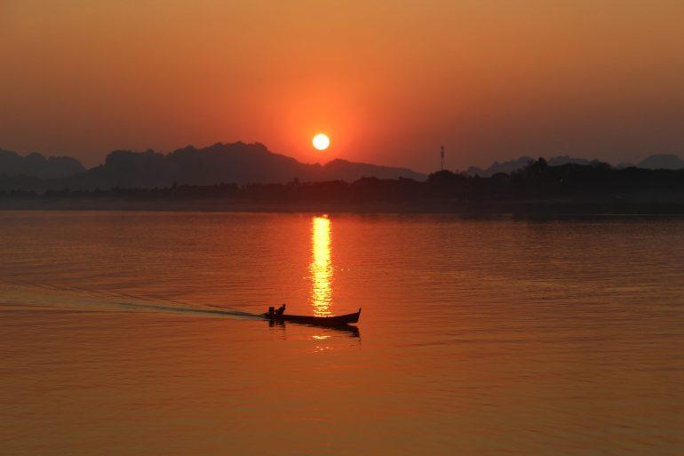 Hpa An sunset wereldreis