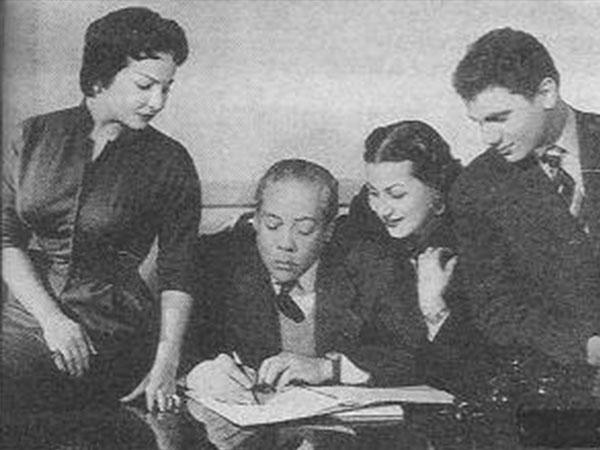 جولولي شاهد عبدالحليم حافظ في كواليس أول أفلامه