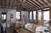 Beach House Rustic and Industrial Accent Interior Design ...