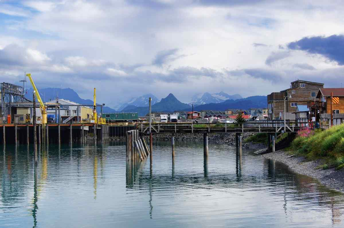 Picture of the shipping pier in Homer, Alaska.