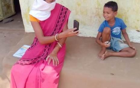 tribals-kids-enjoying-digital-songs-20-april-2020