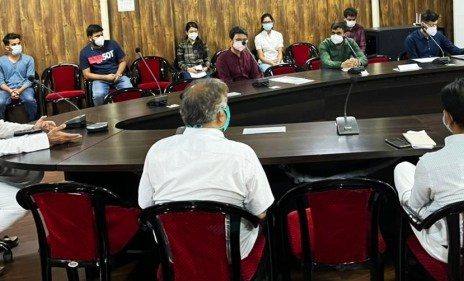ts-singh-deo-meeting-with-junior-doctors-14-april-2021