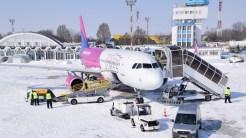Aeronava Wizz Air a decolat în cele din urmă spre Londra. FOTO AIMK Constanța