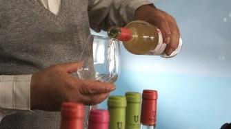 Un pahar de vin? FOTO Adrian Boioglu