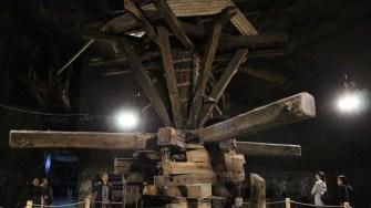 Crivacul - liftul antic din Salina Turda. FOTO Adrian Boioglu