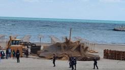 Construcțiile ilegale au fost demolate sub supravegherea jandarmilor și a procurorilor. FOTO ABADL