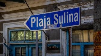 Indicator către plaja din Sulina. FOTO Paul Alexe
