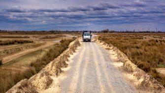 Mijloc de transport pentru vizitarea zonei Letea. FOTO Paul Alexe