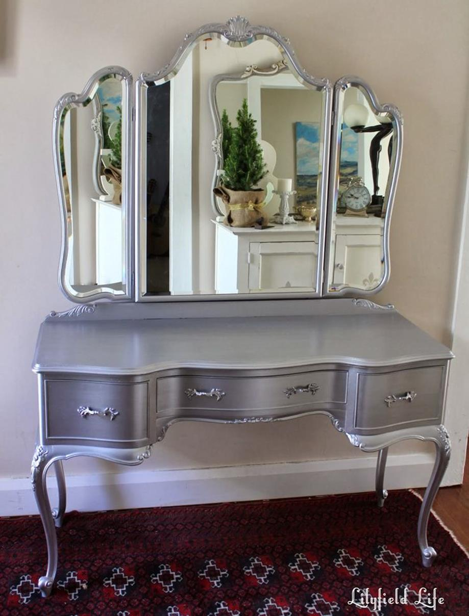 Bedroom Vanity Set With Lights Around Mirror 28