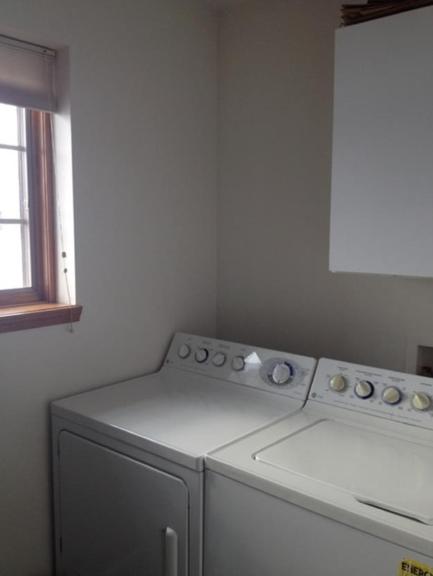 Best Paint Color For Small Laundry Room 18