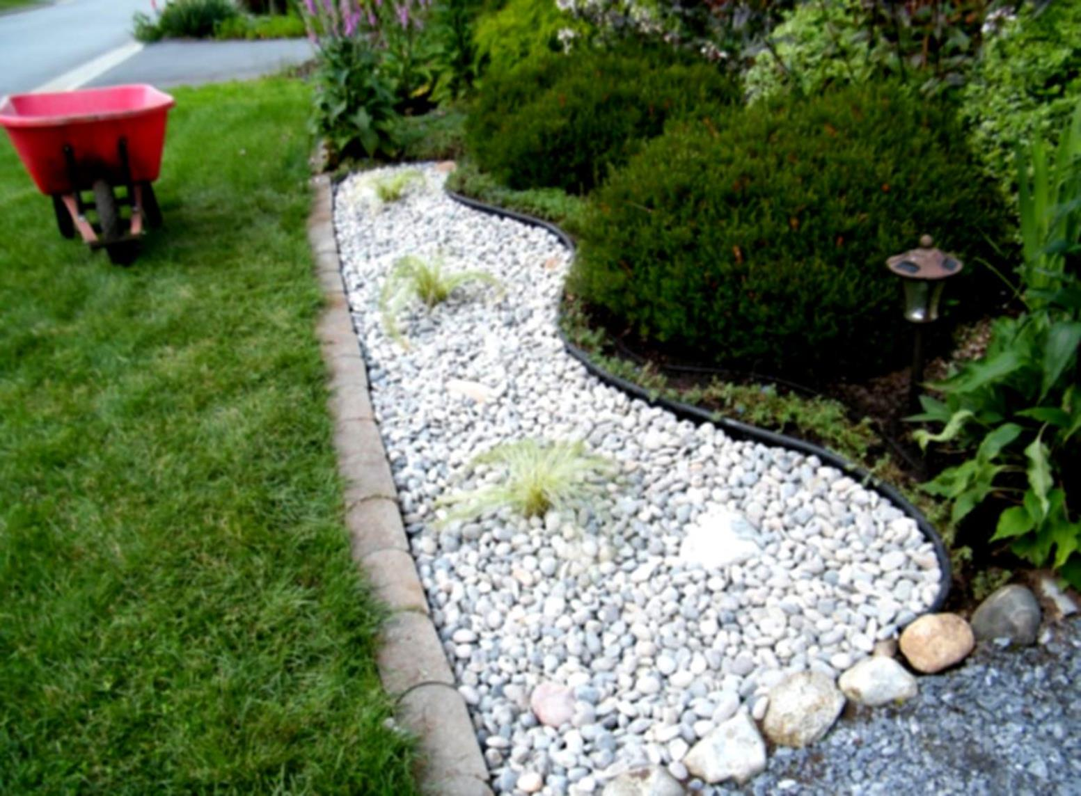 Landscaping Ideas With Rocks And Mulch 34